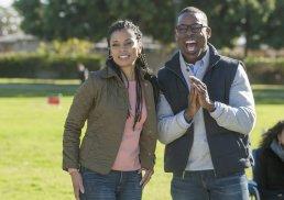 Beth (Susan Kelech Watson) and Randall (Sterling K. Brown)
